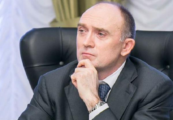 Борис Дубровский увеличил службу протокола. Теперь стакан на стол будут подавать семь человек. Скрин документа